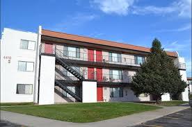 3 Bedroom Apartments Colorado Springs Peak 4420 Apartments 4420 East Pikes Peak Avenue Colorado