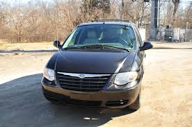 2007 chrysler town country black mini van sale