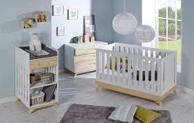 chambre bébé blanche pas cher chambre bã bã blanc et bois â photos de design d intã rieur bébé