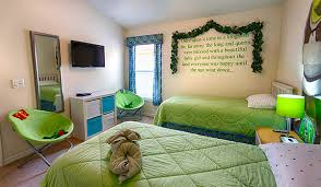 room theme shrek theme room serendipity at indian creek