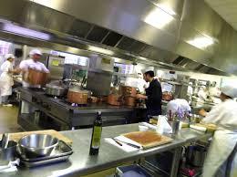 ecole cuisine ferrandi restaurant en cuisine et à table à l ecole grégoire ferrandi la table des chefs