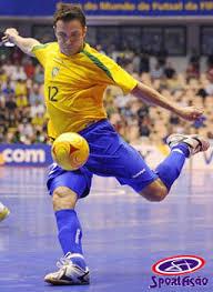 Cara Memilih Sepatu Futsal Berdasarkan Karakter Pemain