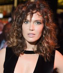 modern day perm hair the perm hairstyle is making a comeback and it s going to be the