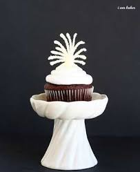 New Year S Eve Cupcake Decorations Ideas by New Years Eve Cupcakes Tutorial I Am Baker