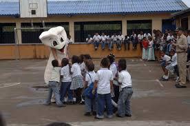 Comfort Dental File Us Navy 090610 F 1333s 024 Colombian Children Gather Around