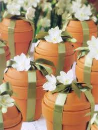 Flower Favors by Here S A Great Way To Package Your Flower Bulbs As Wedding Favors