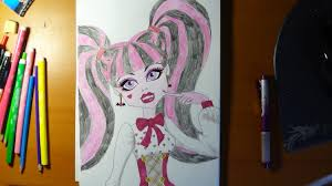 draw monster characters draculaura