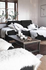 Black Living Room Ideas by Best 25 Black Couch Decor Ideas On Pinterest Black Sofa Living