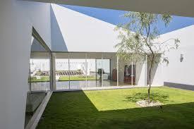 casa patios riofrio rodrigo arquitectos archdaily