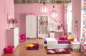 bedroom cute ideas for light pink wall with round red design