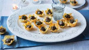 beef canape recipes food recipes mini beef wellington tartlets