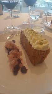 la cuisine de dessert aux couleurs de châtelaillon ร ปถ ายของ gaya cuisine de