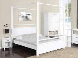 chambre en pin lit baldaquin guerande 140x190 cm 2 chevets pin blanc