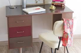 repeindre un bureau repeindre un bureau avec un effet brillant diy family