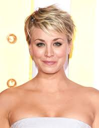 why kaley cucoo cut her hair kaley cuoco talks changing up her hair it might be blue