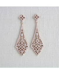 gold chandelier earrings here s a great deal on gold deco earrings gold