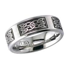 titanium celtic wedding bands celtic knot wedding ring