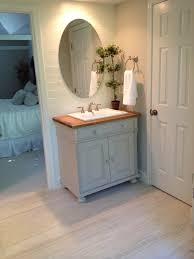 clawfoot tub bathroom 2