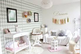 decorer une chambre bebe decorer une chambre bebe chambre bacbac pastel decoration chambre