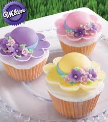 cute bonnet cupcakes from wilton cake decorating cake decorating