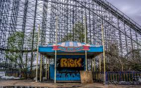 Six Flag New Orleans The Abandoned New Orleans Six Flags Theme Park In Pictures News