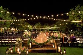 5 examples of nighttime wedding ceremony décor for inspiration