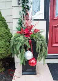 Outdoor Christmas Garden Decorations by Best 25 Outside Christmas Decorations Ideas On Pinterest