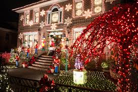 9 quintessential christmas tours in nyc 2017