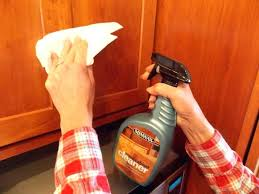 cleaning oak kitchen cabinets how to clean sticky wood kitchen cabinets mydts520 com