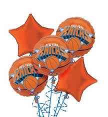 balloon bouquet nyc new york knicks balloon bouquet 5pc basketball party city