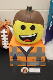 great pumpkin idea for lego lovers from http sarahjanenelson com