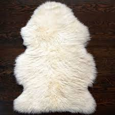 How To Make A Faux Fur Rug 9 Best Sheepskin Rugs 2017 Faux And Real Sheepskin Rug Reviews