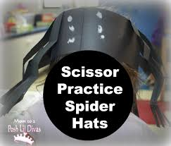 mom to 2 posh lil divas spiders and bats in preschool