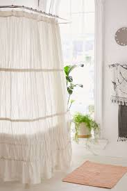 Frilly Shower Curtain Best 25 Rustic Shower Curtain Rings Ideas On Pinterest