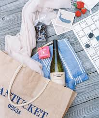 bridesmaids gift bags bridesmaid gift ideas that won t the bank