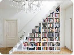 treppe dekorieren bücher dekorieren wunderbar ihre wohnung geschmackvoll und