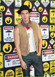alice halloween party ryan phillippe finds the force u0026 miles teller rocks out at just