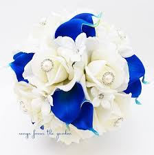 white and blue roses royal blue white bridal bouquet roses calla lilies pearl