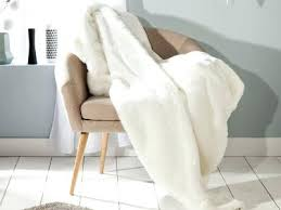 jeté de canapé blanc jete de lit blanc plaid fausse fourrure ours polaire blanc revers