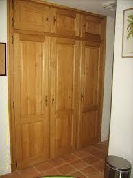 porte de cuisine en bois brut cuisine menuiserie bois sur mesure peio garat charpente menuiserie
