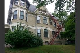 1 Bedroom Apartments In Milwaukee by 2704 N Hackett Rentals Milwaukee Wi Rentcafé