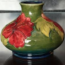 Moorcroft Clematis Vase Antiques Atlas Moorcroft Pottery Hibiscus Pattern Squat Vase