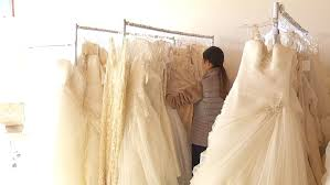 free wedding dresses and responder brides get free dresses via