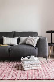 synonyme de canapé 30 canapés synonymes de tentation salons living rooms and interiors