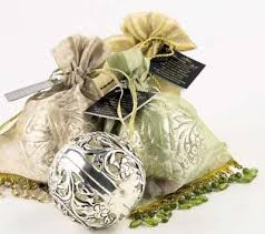 English Christmas Gifts - 41 best friendship balls and ideas images on pinterest