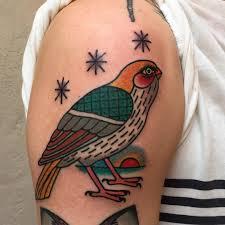 shoulder tattooo bird shoulder tattoo animals tattoo pinterest bird shoulder