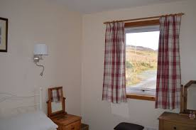 holiday cottage sleeping 6 carbost isle of skye