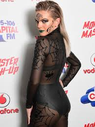 biggest halloween party london monstermashup 2016 all the photos from halloween u0027s biggest party