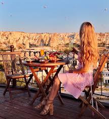 pilotmadeleine cappadocia travel diary day 2 balloons pool