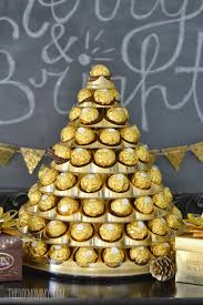 New Years Decorations Calgary by A Gold And Black Christmas And New Year U0027s Dessert Table Idea With